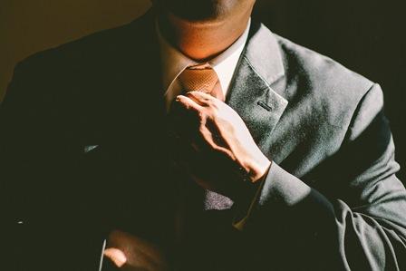 (19-5-16) Suit